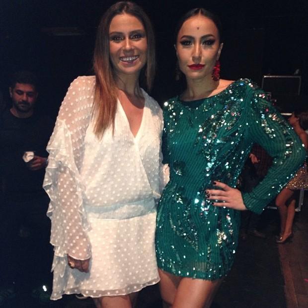 Giovanna Antonelli e Sabrina Sato em prêmio em São Paulo (Foto: Instagram/ Reprodução)