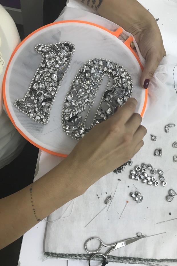 Patrícia Bonaldi  e Yan Acioli assinam figurino de carnaval de Claudia Leitte