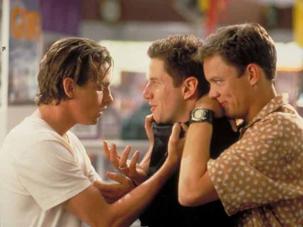 A partir da esquerda: Skeet Ulrich, Jamie Kennedy e Matthew Lillard em cena de 'Pânico' (1996), de Wes Craven  (Foto: Divulgação)