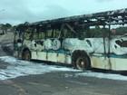 Após atropelamento e morte, ônibus é incendiado na 040, em Congonhas