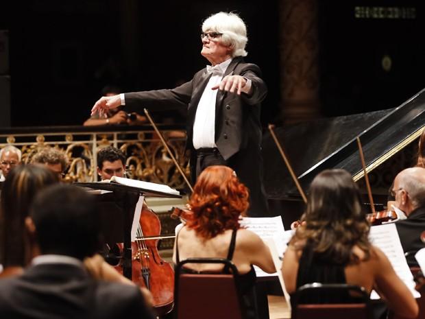 Orquestra Sinfônica do Recife faz apresentação gratuita no Teatro de Santa Isabel (Foto: Andréa Rêgo Barros / PCR)
