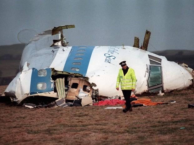 Bomba em avião matou todas as 259 pessoas a bordo e 11 pessoas em solo em Lockerbie, na Escócia (Foto: AFP Photo/Roy Letkey/Files)