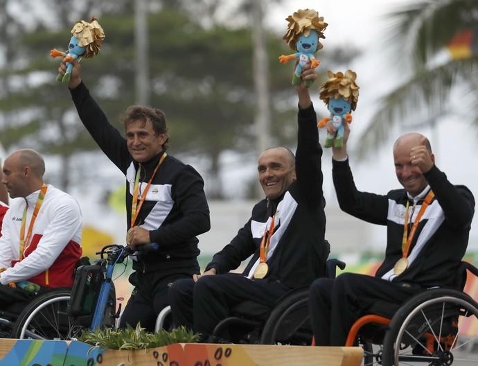 Alessandro Zanardi pódio paralimpiada (Foto: Reuters)