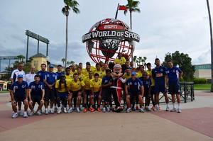 Jogadores, Cruzeiro, Mickey, Disney (Foto: Reprodução / Site Oficial do Cruzeiro)