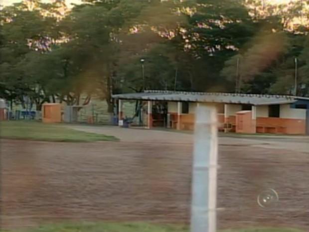 O Centro Nacional de Paraquedista de Boituva (SP) ficou fechado nesta terça-feira (10) (Foto: Reprodução TV Tem)