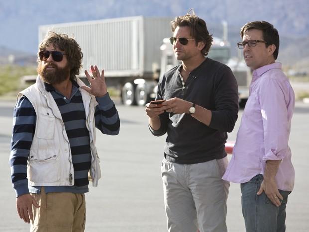 Bradley Cooper, Ed Helms, Zach Galifianakis em cena de 'Se Beber, Não Case! - Parte 3' (Foto: Divulgação)