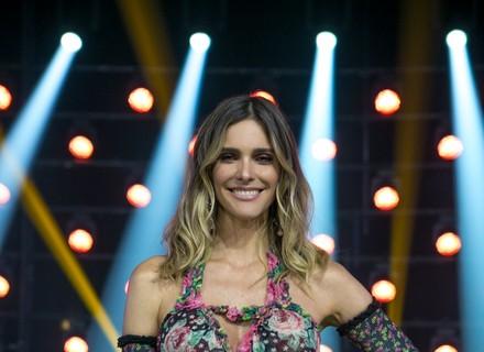 Fernanda Lima arrasa com vestido florido no 'PopStar' deste domingo, 27/8