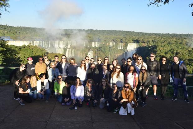 O grupo reunido em passeio pelas Cataratas do Iguaçu promovido pela The Body Shop (Foto: Márcia Tavares)