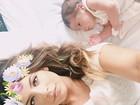 Rubia Baricelli, filha de Luigi, faz ensaio 'newborn' com filha, Helena