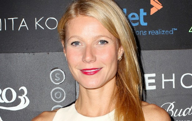 "A atriz Gwyneth Paltrow, famosa por sua dieta rigorosa e desintoxicada, também já lançou seu próprio livro de receitas: 'It's All Good: Delicious, Easy Recipes That Will Make You Look Good and Feel Great' (""É Tudo de Bom: Receitas Deliciosas, Fáceis e que Vão Fazer Você Ficar Bonita e Se Sentir Bem""). (Foto: Getty Images)"