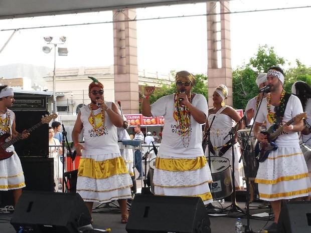 Baianas Ozadas abrem o Réveillon BH 2016 (Foto: Raquel Freitas/ G1)