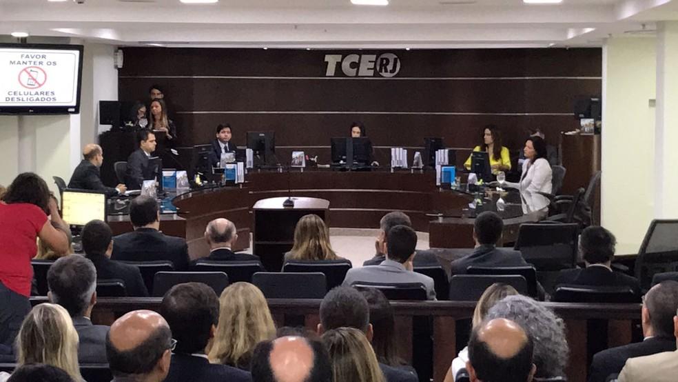 TCE-RJ tem primeira sessão plenária após prisão de cinco conselheiros (Foto: Henrique Coelho / G1)