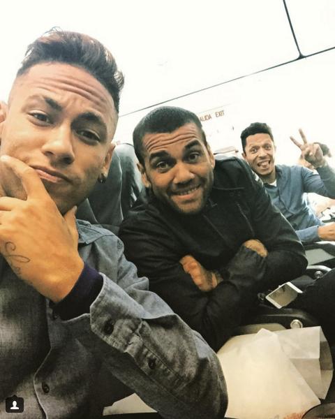 Neymar e Daniel Alves viagem a San Sebastian