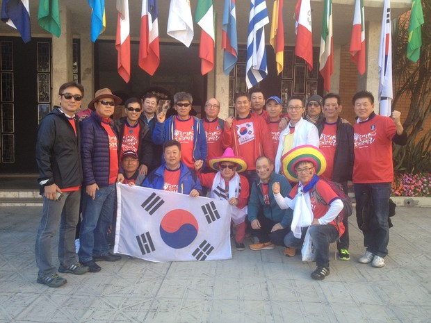 Coreanos em Igreja em Porto Alegre 1 (Foto: Rafaella Fraga/G1)