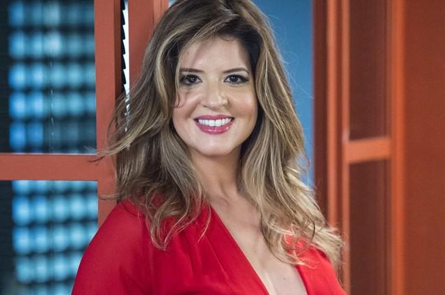 Mariana Santos com novo visual de Maria Pia em 'Pega pega' (Foto: Estevam Avellar/TV Globo)