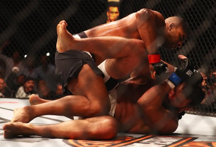 Alistair Overeem Andrei Arlovski UFC Holanda (Foto: Getty Images)