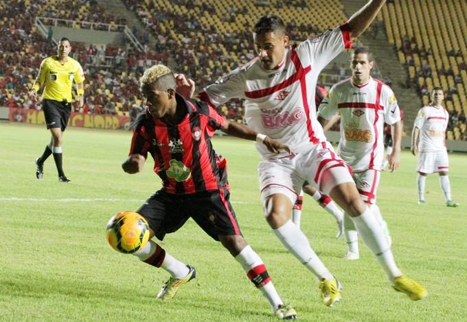Henrique joga pelo Moto contra Tombense no Castelão pela Série D (Foto: Biaman Prado/O Estado)