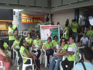 Servidores continuam de braços cruzados (Foto: Tassio Andrade/G1)