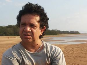 Cantor Osmar Júnior, disse estar revoltado com a depredação do patrimônio (Foto: Facebook/Arquivo pessoal)