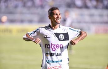 Atacante Fabinho, de 32 anos, é o sétimo reforço do Vila para a Série B