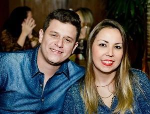 Henrique recebeu a notícia que estava entre os dez selecionados da esposa Fernanda Miranda (Foto: Rafael Miranda/Arquivo pessoal)