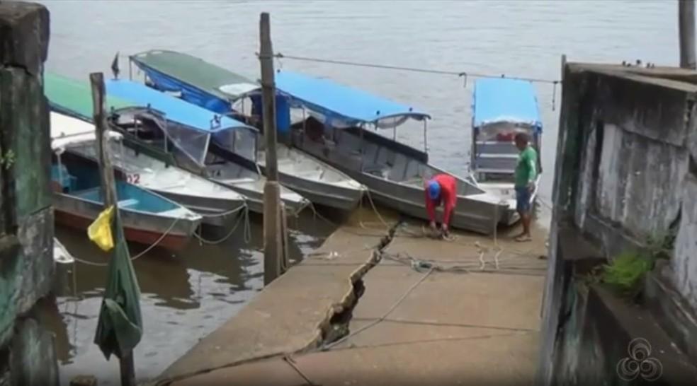 Catraieiros, taxistas e ambulantes dependem da orla de Oiapoque para exercer as atividades (Foto: Reprodução/Rede Amazônica)