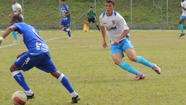 Rafael foi fundamental na defesa do Ecus para manter empate por  0 a 0 (Foto: Vitor Geron / Globoesporte.com)