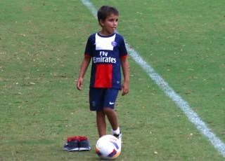 Filho de Aguirre acompanha treino (Foto: Diego Guichard)
