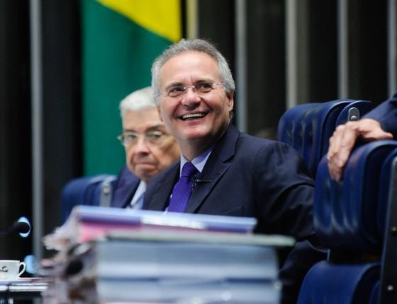 Renan preside sessão do Senado,depois de protagonizar desobediência ao STF  e ser mantido no cargo (Foto: Marcos Oliveira/Agência Senado)