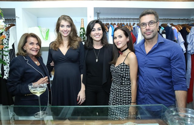 Sonia Isnard, Camila Cunha, Maria Frering, Joana Nolasco e Fernando Torquatto (Foto: Divulgação)