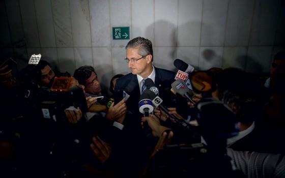Rogério Rosso presidente da comissão especial do Impeachment (Foto:  Diego Padgurschi/Folhapress)