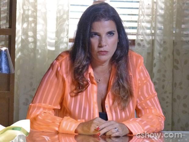 Cícera brava com história contada por Sofia  (Foto: Malhação / TV Globo)