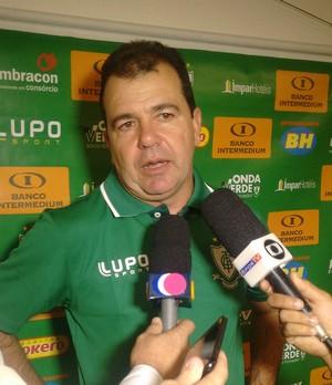 Enderson Moreira, treinador do Atlético-MG (Foto: Wagner Chaló/GloboEsporte.com)
