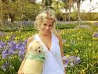 Confira outros looks e poses de Joy, o cachorrinho de Karina Bacchi