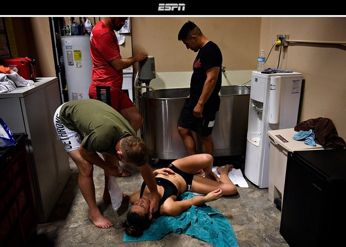 BLOG: Site revela imagem de Miesha Tate sofrendo com corte de peso antes de luta