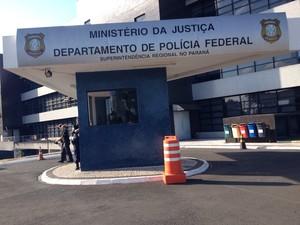 Superintendência da Polícia Federal no Paraná está concentrando as investigações da Lava Jato (Foto: Fernando Castro/G1)