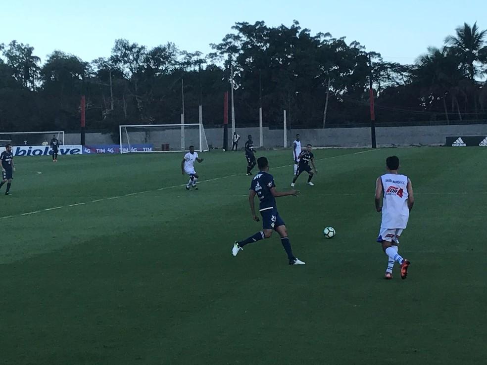 Jogo-treino do Flamengo nesta segunda-feira (Foto: Alexandre Ribeiro)