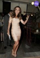 Look do dia: Sabrina Sato usa vestido justinho e exibe sua boa forma