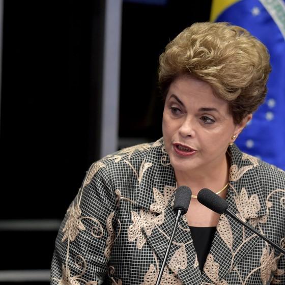 A presidente afastada Dilma Rousseff apresenta sua defesa contra o impeachment no Senado na manhã desta segunda-feira (29) (Foto: EVARISTO SA / AFP)