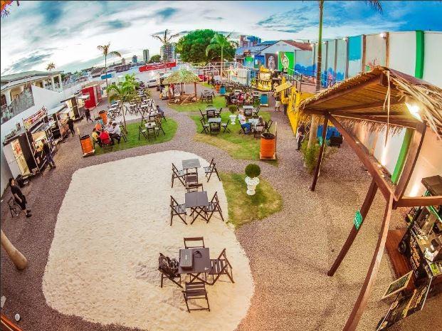 Espaço onde será realizado o baile infantil conta com mais de 10 estabelecimentos que vendem alimentos  (Foto: Divulgação)