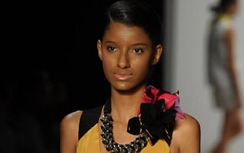 Desfile Andrea Marques no Fashion Rio (Verão 2012)
