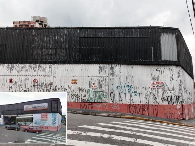 Loja de materiais de construção é desocupada em avenida próxima à fábrica da GM, em São Caetano do Sul (Foto: Marcelo Brandt/G1 e Google Street View)