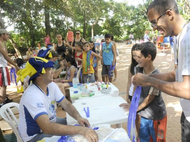 """""""Domingo no Bosque"""" quer atrair famílias para atividades recreativas que fujam da rotina (Foto: Divulgação/Prefeitura de Umuarama)"""