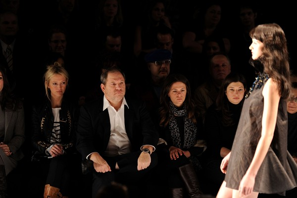 O produtor Harvey Weinstein durante um desfile de moda (Foto: Getty Images)