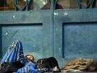 Correios estudam barreira em agência; fachada é abrigo de moradores de rua