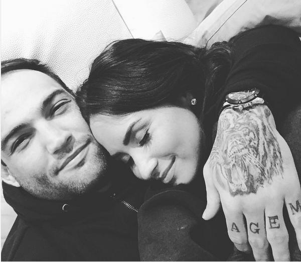 A cantora Demi Lovato e o namorado, o lutador brasileiro Guilherme 'Bomba' Vasconcelos (Foto: Instagram)