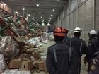 Desabamento em galpão deixa três pessoas feridas em Salvador