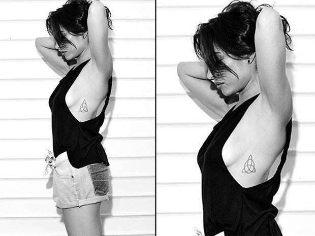 Giselle Itié posa sem sutiã e de camisa cavada (Foto: Instagram/ Reprodução)