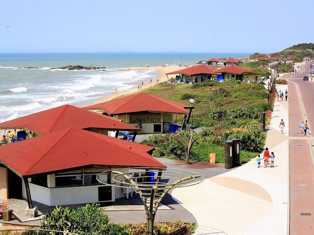Rio das Ostras oferece belas praias aos visitantes e moradores (Foto: Jorge Ronald / Divulgação)