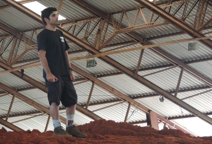 Fernando Daud - construtor da pista e árbitro do Desafio de motocross, no Rancho Quarto de Milha, em Prudente (Foto: João Paulo Tilio / GloboEsporte.com)